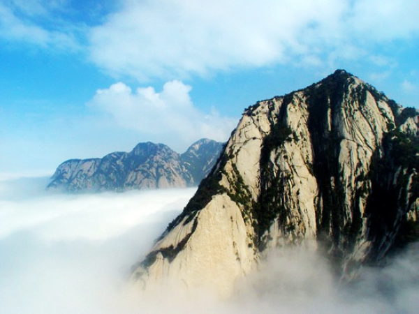 景点介绍: 华山:华山是我国著名的五岳之一,海拔2154.