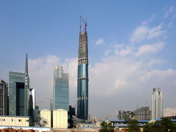 并可外观广州国际金融中心--简称【西塔】;