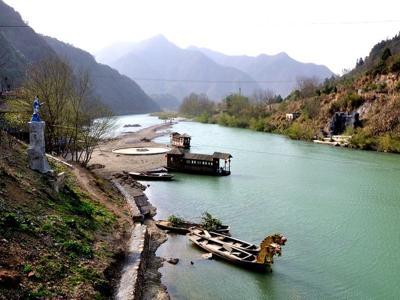 安徽百丈崖峡谷-秋浦河漂流-渔村2日游>夏日生态之旅