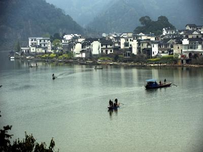 景点简介 新安江山水画廊  新安江山水画廊风景区位于中国历史文化