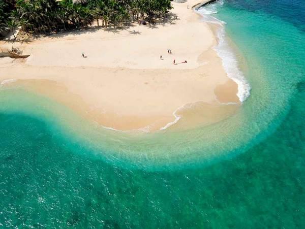 分界洲岛 分界洲岛(含上下岛约120分钟)所处位置是海南岛重要的分水岭
