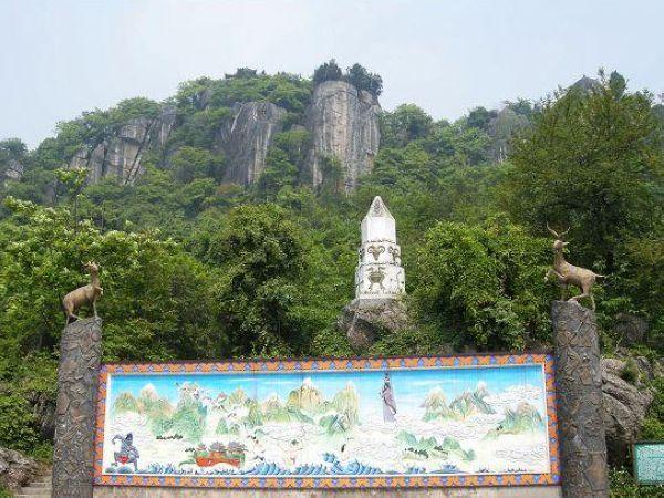 景点介绍:罗浮山 罗浮山,又名浮山,位于绵阳市安县境内,距成都市区