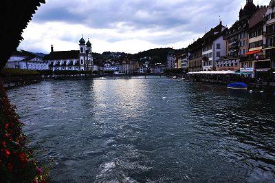 瑞士琉森湖风景图片