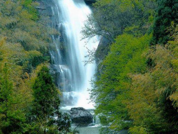 壁纸 风景 旅游 瀑布 山水 桌面 600_450