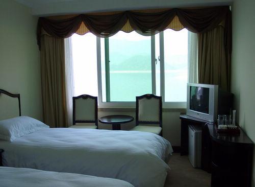 共有客房88间, 其中包括总统套房2间, 超豪华套房4间, 豪华套房8间.