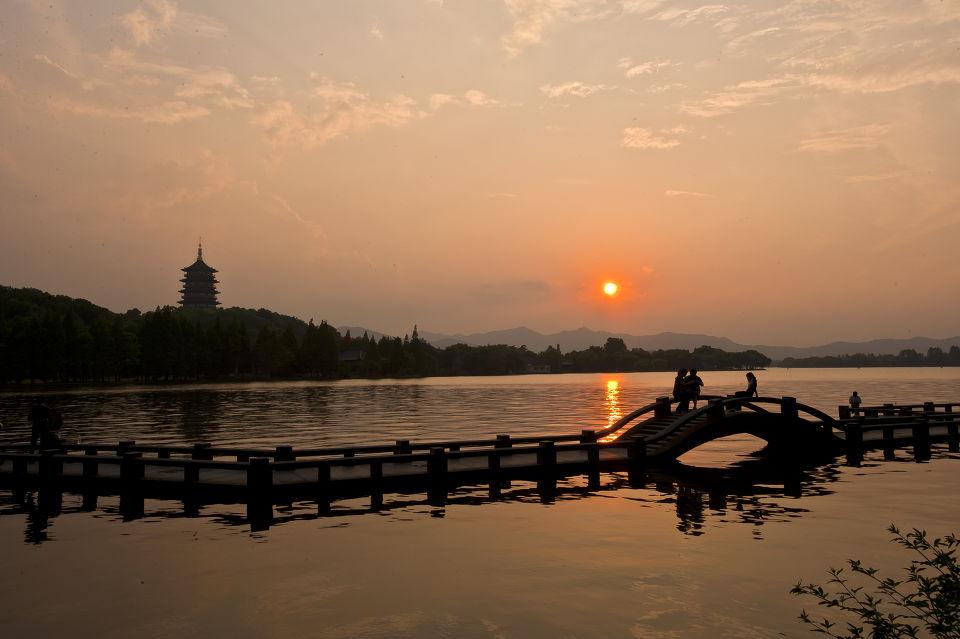 (14)  长隆野生动物园  (9)  杭州宋城  (7)  中国死海   西湖十景之