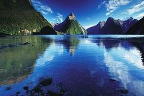 2月6日奥克兰自由活动,新西兰里程碑纪念地唐怀伊,冰川健行,岛屿湾观